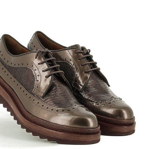 Hoy os mostramos algo muy especial como son estos zapatos estilo #oxford #oxfordshoes de #ponsquintana Tenemos en colores diferentes entra en www.zapatosobi.com y en él buscador los encontraras con la siguiente referencia 31850 #obishoes #eresloquecalzas #zapatosonline #zapatosobi